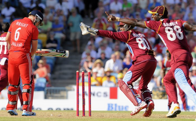 Wright stumped by Ramdin