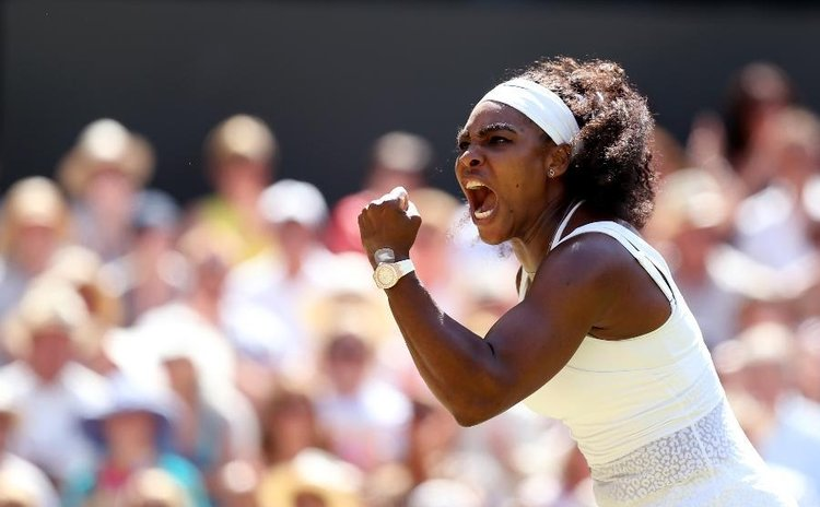 Serena Williams scores on her way to victory