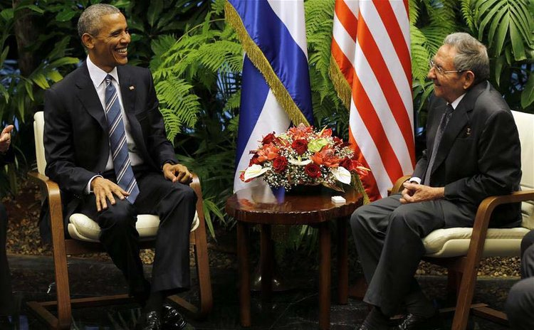 HAVANA, March 21, 2016 (Xinhua) -- Image provided by Cubadebate shows Cuba's President Raul Castro (R), meeting with U.S. President Barack Obama, at the Palace of the Revolution, in Havana, Cuba, Marc