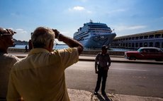HAVANA, May 2, 2016 (Xinhua) -- People watch the U.S. cruise ship Adonia arriving in Havana, Cuba, May 2, 2016.