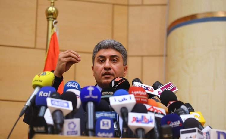 CAIRO, May 20, 2016 (Xinhua) --Egypt's Civil Aviation Minister Sherif Fathy speaks at a press conference in Cairo, Egypt, on May 19, 2016