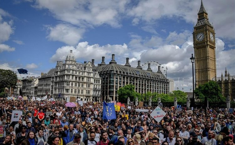 LONDON, July 3, 2016 (Xinhua) -- People take part in a march against the outcome of the recent EU referendum, in London, Britain, July 2, 2016.