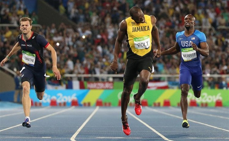 Bolt at the finishing line in the 200m in Rio -again