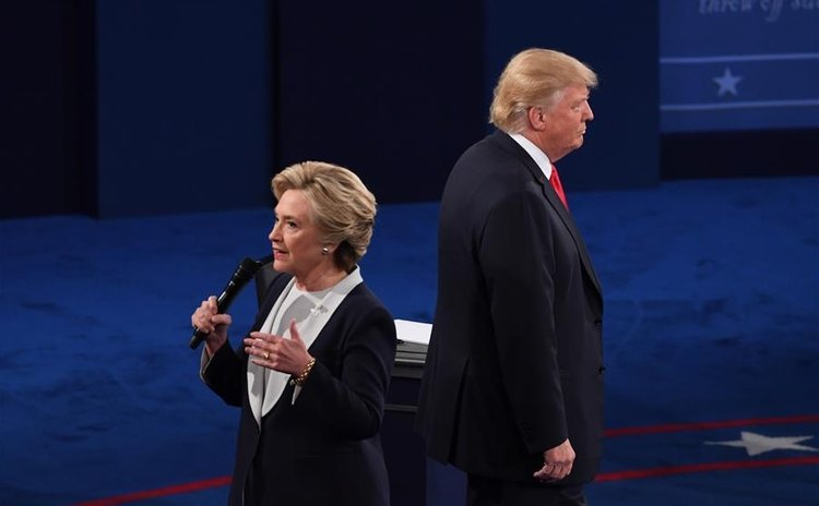 Hillary Clinton and Donald Trump at the second presidential debate