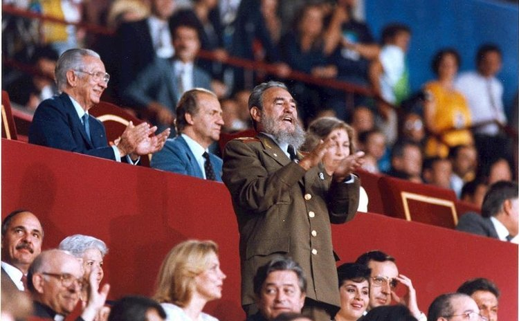 File photo taken on July 25, 1992 shows Fidel Castro applausing to the Cuban Delegation during the opening ceremony of the Olympic Games in Barcelona, Spain