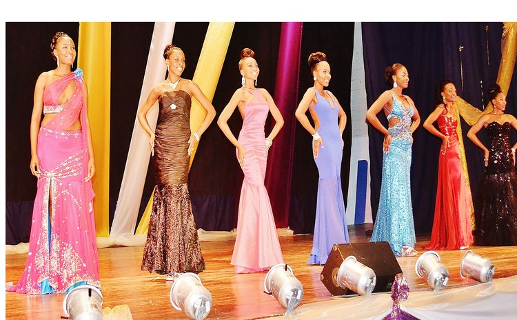 Seven Carnival Queen contestans of  2015