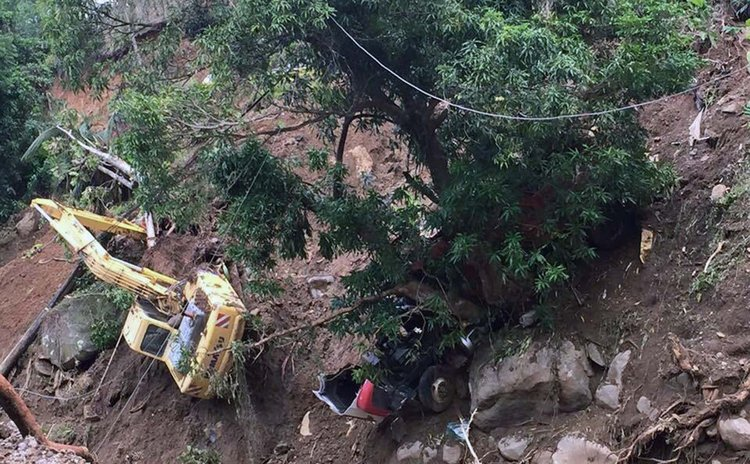 Landslide at Jungle Bay near Petite Savanne