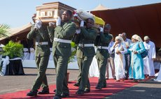 MAPUTO, April 21, 2014 (Xinhua) -- A coffin of a Mozambican victim of plane crash is carried out after the arrival at the airport of Maputo, April 21, 2014