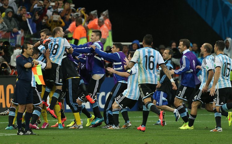 SAO PAULO, July 9, 2014 (Xinhua) -- Argentina's players celebrate the victory after a semifinal match between Netherlands and Argentina of 2014 FIFA World Cup