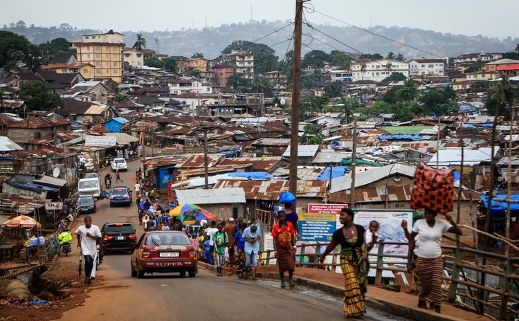 FREETOWN, Aug. 18, 2014 (Xinhua) -- Photo taken on Aug. 15, 2014 shows the scene of a slum in the Ebola-affected Freetown, capital of Sierra Leone.