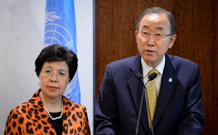 NEW YORK, Sept. 5, 2014 (Xinhua) -- UN Secretary-General Ban Ki-moon (R) speaks; Director-General of WHO, Dr. Margaret Chan looks on, UN headquarters,  New York, Sept. 5, 2014.