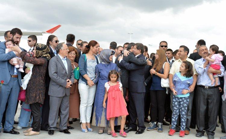 ANKARA, Sep. 20, 2014 (Xinhua) -- Released Turkish hostages meet with their families at the Ankara Esenboga Airport, Turkey, Sept. 20, 2014.
