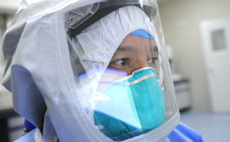 GUANGZHOU, Oct. 23, 2014 (Xinhua) -- A medical worker takes part in a drill to deal with Ebola cases at the Guangzhou Eighth People's Hospital in Guangzhou, capital of south China's Guangdong Province