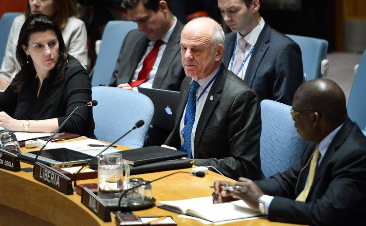 NEW YORK, Nov. 22, 2014 (Xinhua) -- David Nabarro, special envoy of the UN Secretary-General on Ebola, speaks during a Security Council meeting on Ebola, UN, Nov. 21, 2014