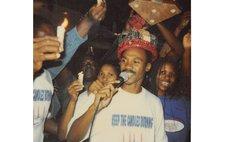 Brakes wears Calypso King crown