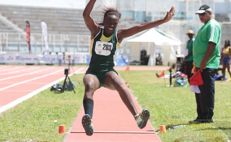 Chelsea Linton long jumps