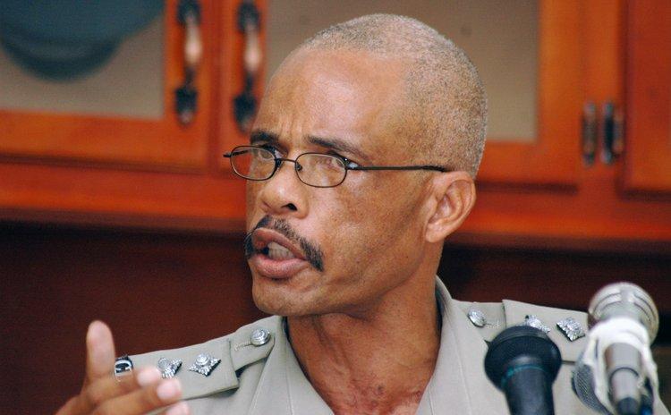 Claude Weeks , Police PRO