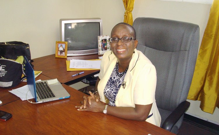 Dr Valda Henry