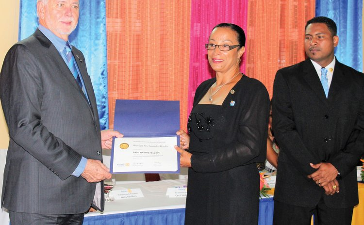 International Rotary President delivers certificate