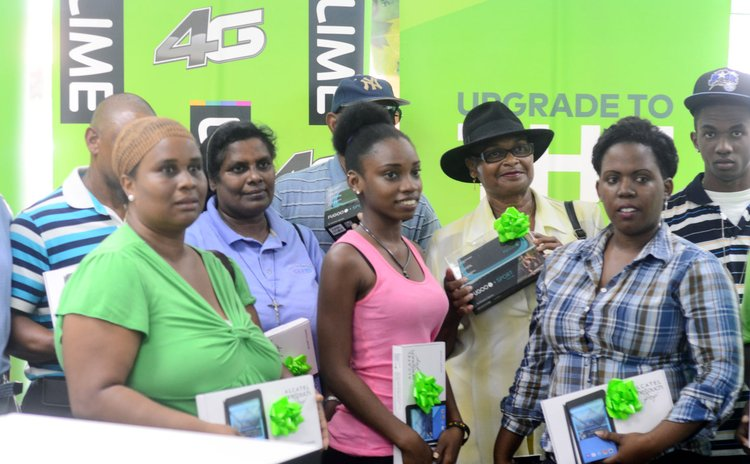 Group of LIME winners in the LIME Upgrade Christmas promotion