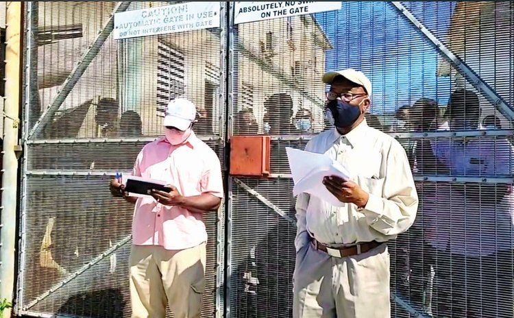 Prison officers protest