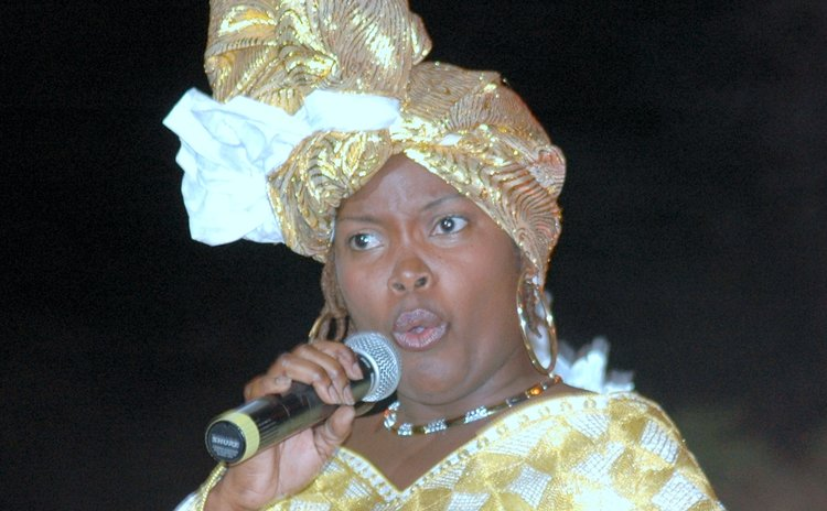 Sandy performs at the Calypso Finals in 2007