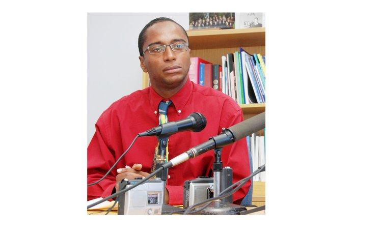 Sean Douglas attends a press conference  as  Press Secretary in 2007