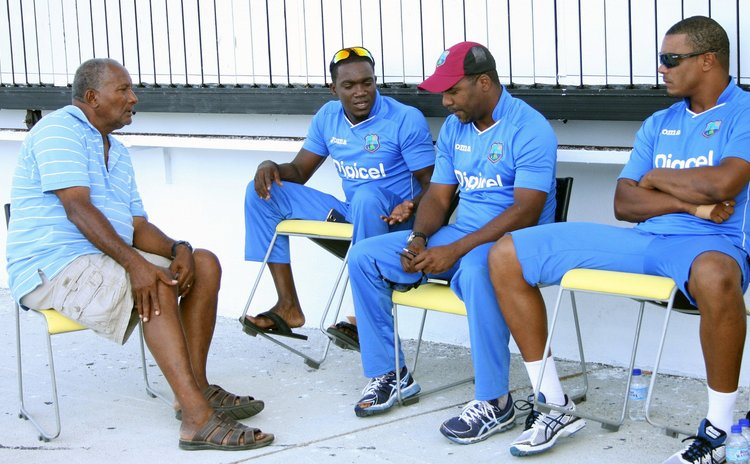 Sir Andy Roberts talks with current West Indies players