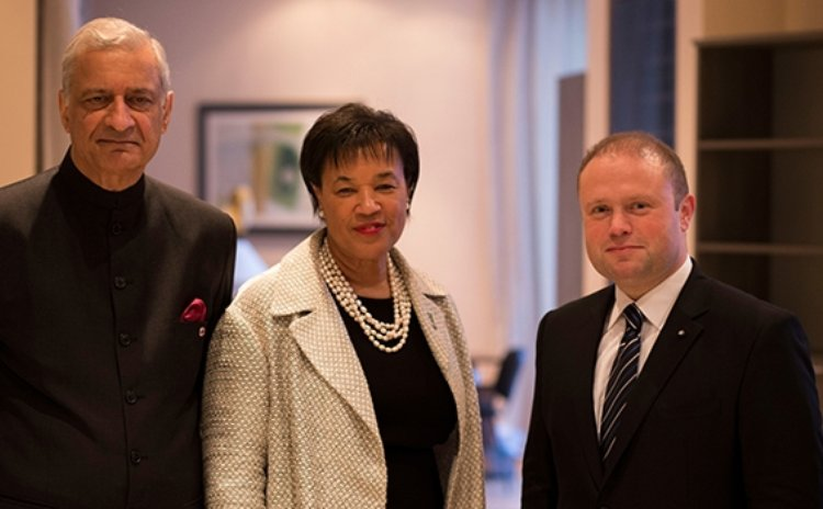 Baroness Scotland, centre. (Commonwealth Secretariat photo)